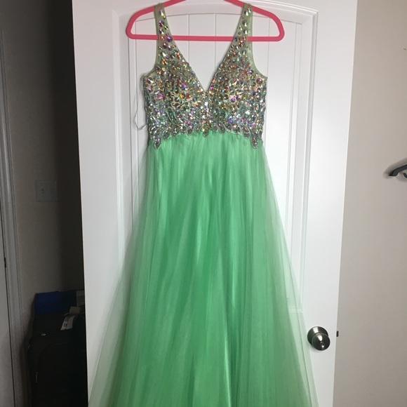 Mac Duggal Mint Green Dress